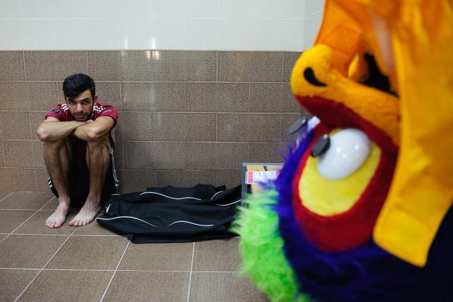Aj maskot PEAKY si musí oddýchnuť, Európsky olympijsky festival mládeže, Utorok, 28. Júla 2015, Tbilisi, Gruzínsko