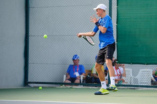 Dávid Čierny počas dvojhry v tenise, Európsky olympijsky festival mládeže, Utorok, 28. Júla 2015, Tbilisi, Gruzínsko