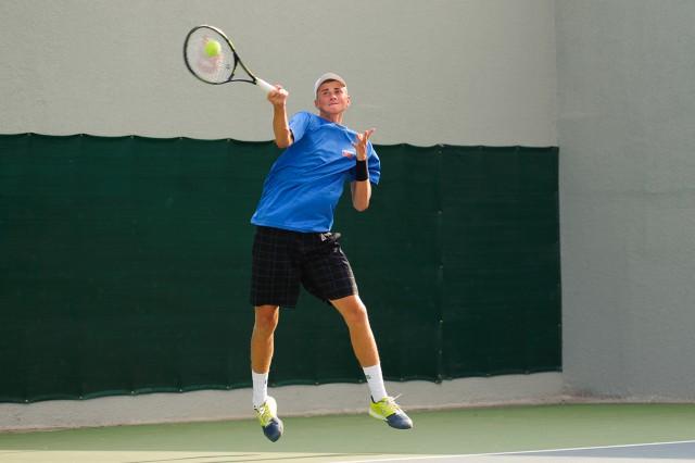 Dávid Čierny počas štvorhry v tenise, Európsky olympijsky festival mládeže, Utorok, 28. Júla 2015, Tbilisi, Gruzínsko