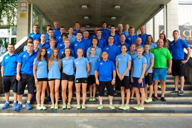 Kompletná Slovenská výprava Európskeho olympíjskeho festivalu mládeže počas úvodného brífingu v Hoteli Junior, Bratislava, Sobota 25. Júla 2015