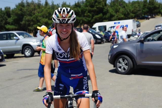 Lucia Michaličková s úsmevom po 8. mieste v cieli pretekov cestnej cyklistiky, Európsky olympijsky festival mládeže, Štvrtok, 30. Júla 2015, Tbilisi, Gruzínsko