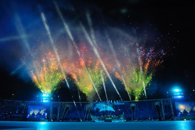 Ohňstroj na záver otváracieho ceremoniálu Európskeho olympijskeho festivalu mládeže, Pondelok, 27. Júla 2015, Tbilisi, Gruzínsko