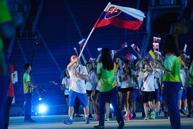 Slovenská delegácia  Európskeho olympijskeho festivalu mládeže počas otváracieho ceremoniálu, Pondelok, 27. Júla 2015, Tbilisi, Gruzínsko