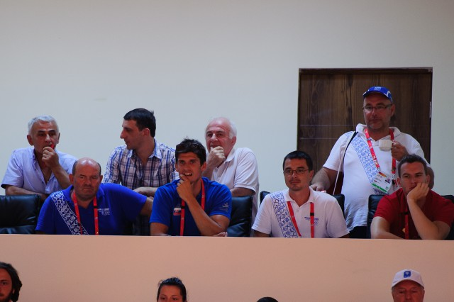 Slovenská VIP lavička sleduje zápas v džude Miroslava Kopiša, Európsky olympijsky festival mládeže, Piatok, 31. Júla 2015, Tbilisi, Gruzínsko