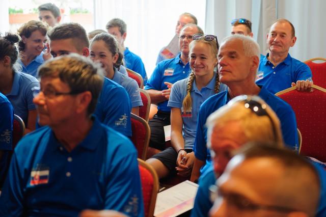 Slovenská výprava Európskeho olympíjskeho festivalu mládeže počas úvodného brífingu v Hoteli Junior, Bratislava, Sobota 25. Júla 2015