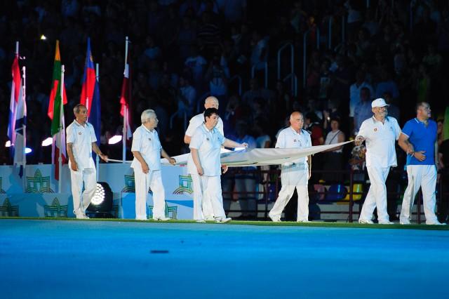 Vešanie olympijskej vlajky počas otváracieho ceremoniálu Európskeho olympijskeho festivalu mládeže, Pondelok, 27. Júla 2015, Tbilisi, Gruzínsko