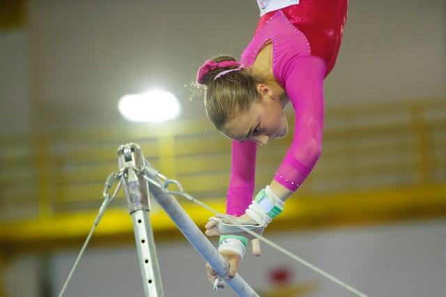 Viktória Vydúreková na bradlách, Európsky olympijsky festival mládeže, Streda, 29. Júla 2015, Tbilisi, Gruzínsko